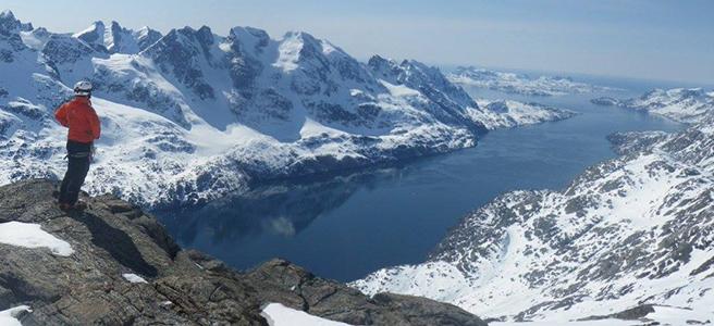 Pure ski company heliskiing groenland